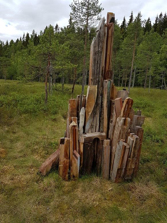 Log work on swamp